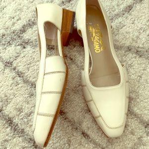 Salvatore Ferragamo beige shoes
